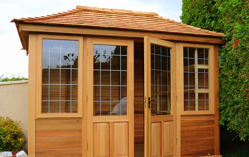 Classic rectangular Garden Summerhouse in Cork. Owen Chubb Landscapes Ltd, Dublin