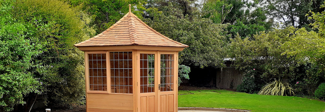 Stunning Garden Summerhouse in Donnybrook garden. New offers now available. Tel 087-2306 128