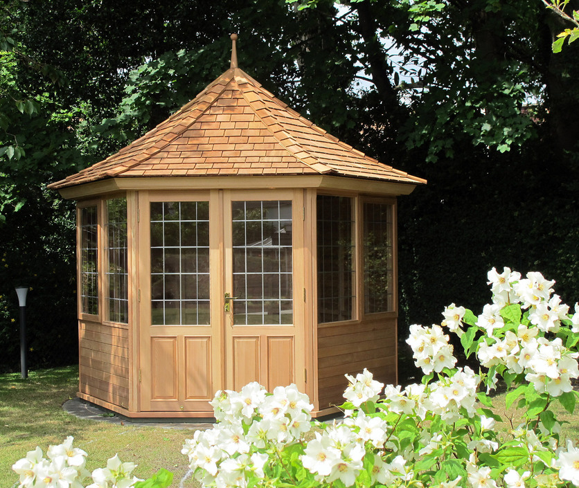 Garden Summerhouse in Western Red Cedar Dublin, Ireland.