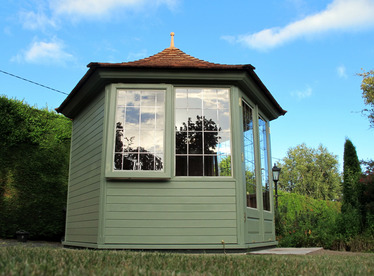 Cedar Garden Summerhouse installation |Greystones, Co Wicklow | Owen Chubb