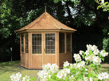 Cedar Garden Summerhouse installation | Blackrock, Co Dublin | Owen Chubb