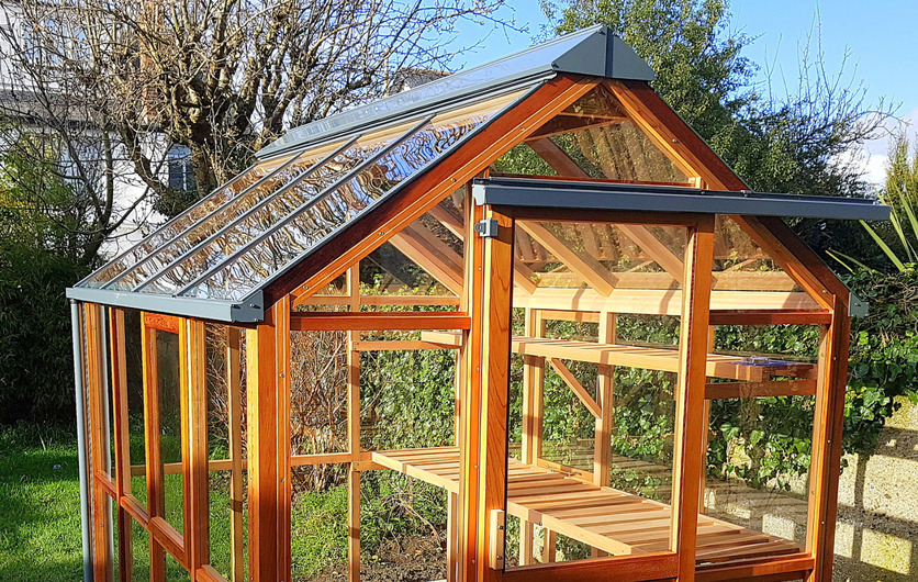 An outstanding Classic Timber Greenhouse